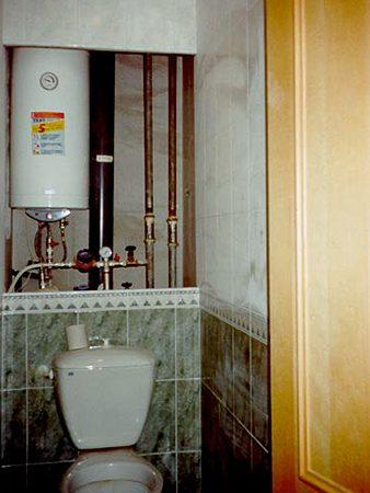 Куда повесить водонагреватель – На какой высоте вешать накопительный водонагреватель